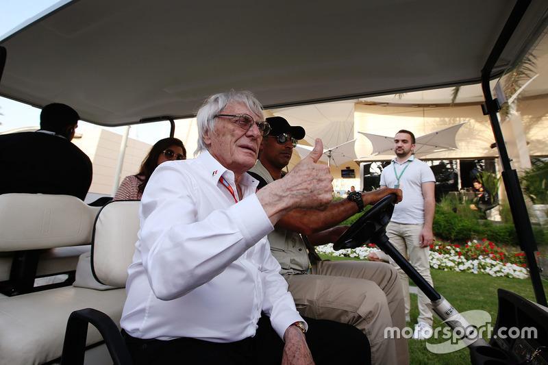 Bernie Ecclestone zu Besuch im Fahrerlager