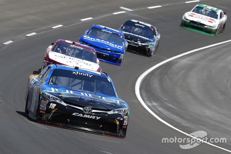 Daniel Suárez, Joe Gibbs Racing, Toyota; Ty Dillon, Richard Childress Racing, Chevrolet