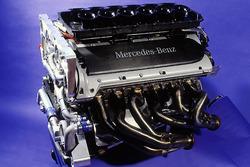 V12-Mercedes-Motor für den CLK-GTR