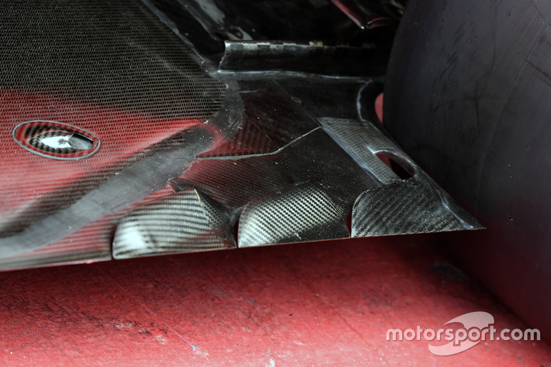 Ferrari SF70H floor detail