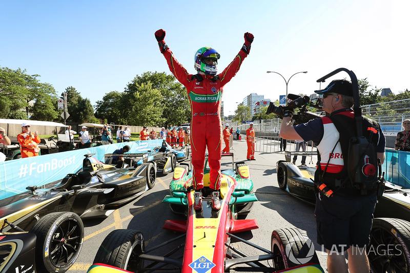 Lucas di Grassi, ABT Schaeffler Audi Sport, celebra tras ganar la carrera