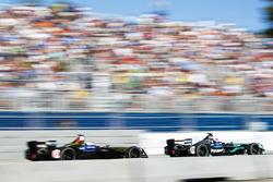 Стефан Сарразен, Techeetah, и Митч Эванс, Jaguar Racing