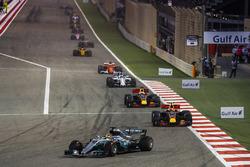 Lewis Hamilton, Mercedes F1 W08, Max Verstappen, Red Bull Racing RB13, Daniel Ricciardo, Red Bull Racing RB13, Felipe Massa, Williams FW40, Kimi Raikkonen, Ferrari SF70H