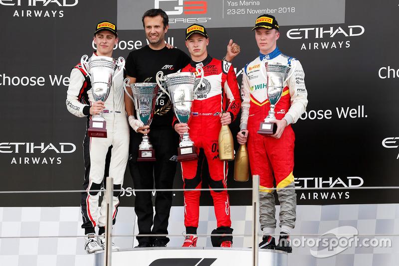Jake Hughes, ART Grand Prix, Nikita Mazepin, ART Grand Prix, and Simo Laaksonen, Campos Racing,en el podio