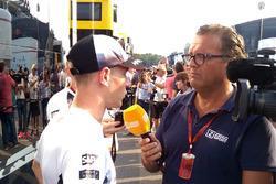 Stoffel Vandoorne, McLaren, praat met Jack Plooij, Ziggo Sport