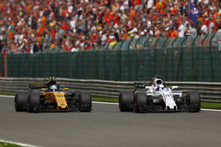 Felipe Massa, Williams FW40, Jolyon Palmer, Renault Sport F1 Team RS17