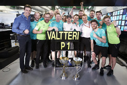 Race winner Valtteri Bottas, Mercedes AMG F1, celebrates with his team