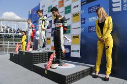Podio novatos: primer lugar Lando Norris, Carlin Dallara F317 - Volkswagen, segundo lugar Mick Schumacher, Prema Powerteam, Dallara F317 - Mercedes-Benz, tercer lugar Jehan Daruvala, Carlin, Dallara F317 - Volkswagen