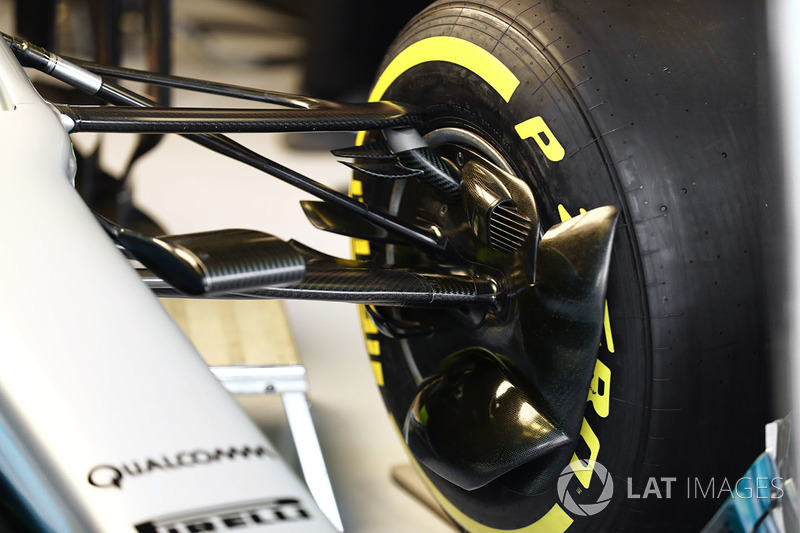 Mercedes AMG F1 W08 brake duct and suspension detail