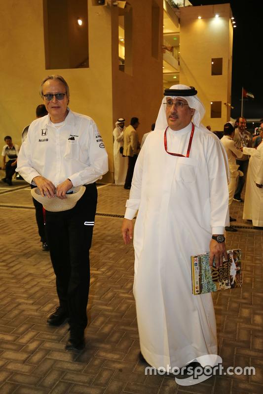 Mansour Ojjeh, accionista de McLaren con el Jeque Mohammed bin Essa Al Khalifa, Director Ejecutivo de la Junta de desarrollo económico de Bahrein y accionista de McLaren