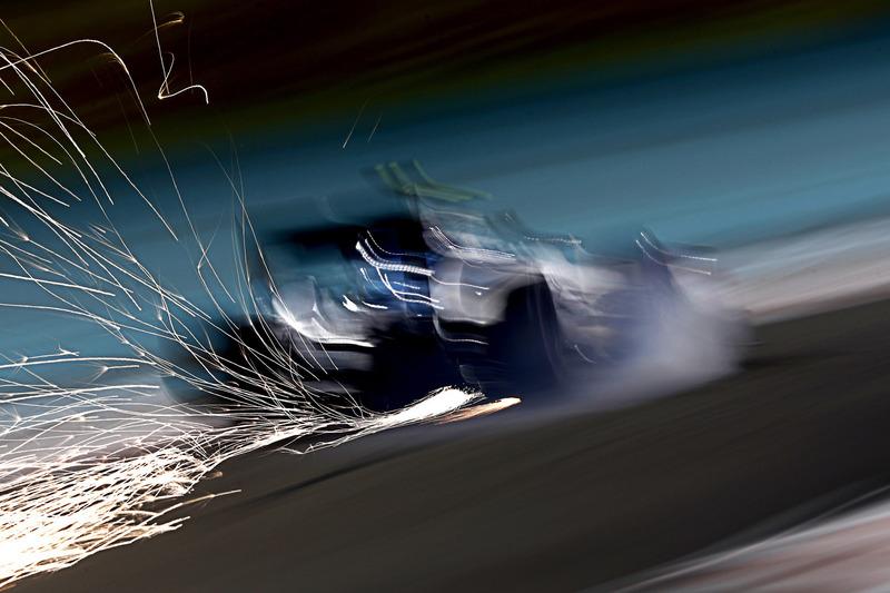 Funkenflug bei Valtteri Bottas, Williams FW38
