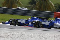 Marcus Ericsson, Sauber C36, battles, Pascal Wehrlein, Sauber C36