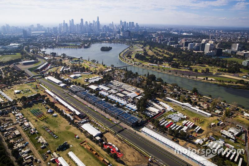 Melbourne Skyline, Albert Park und Rennen aus der Luft
