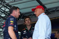 Руководитель Red Bull Racing Кристиан Хорнер, и неисполнительный директор Mercedes AMG F1 Ники Лауда