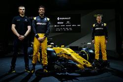 ltr Sergey Sirotkin, Renault Sport F1 Team Third Driver with Jolyon Palmer, Renault Sport F1 Team and Nico Hulkenberg, Renault Sport F1 Team