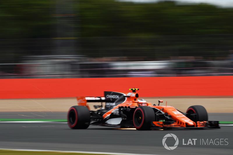 Стоффель Вандорн, McLaren MCL32, іскрить