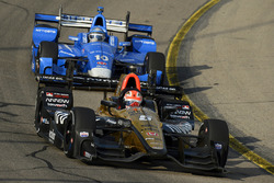 Джеймс Хинчклифф, Schmidt Peterson Motorsports Honda, и Тони Канаан, Chip Ganassi Racing Honda