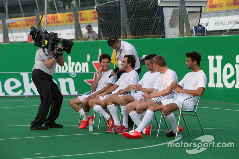 Line up at the charity 5-a-side football match. F1 drivers (L to R): Sergio Perez, Sahara Force India F1; Jolyon Palmer, Renault Sport F1 Team; Max Verstappen, Red Bull Racing; Fernando Alonso, McLaren; Daniel Ricciardo, Red Bull Racing