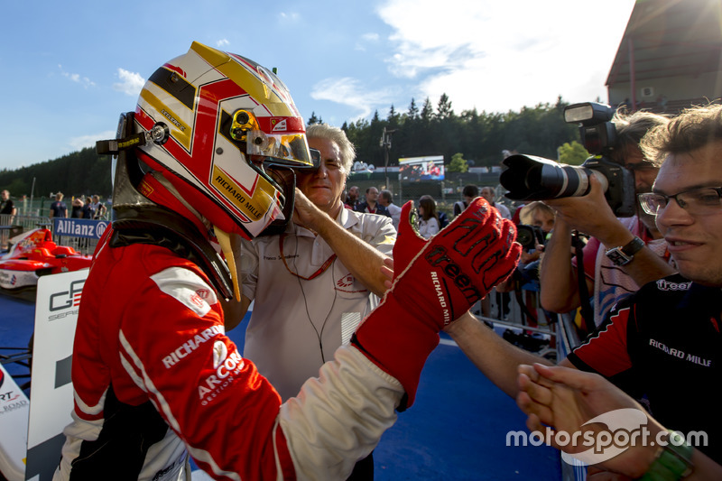 Yarış galibi Charles Leclerc, ART Grand Prix