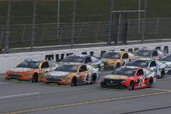 Martin Truex Jr., Furniture Row Racing Toyota, Kevin Harvick, Stewart-Haas Racing Ford, Ricky Stenhouse Jr., Roush Fenway Racing Ford