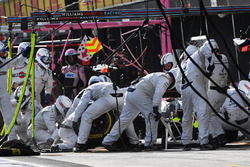 Lance Stroll, Williams FW41 pit stop