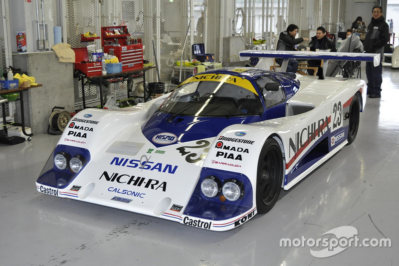 Nissan R86V 1986