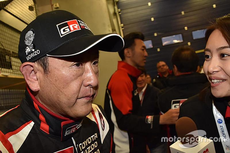走行を終えインタビューに答える豊田章男社長