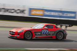 Mercedes SLS AMG GT3 команды MP Sports: Мартин Прокоп, Роберт Кубица, Кирин Мюллер, Пол Уайт, Тома Олслоу-Коул