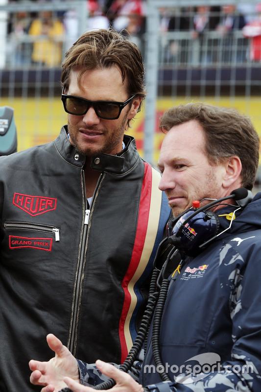 Крістіан Хорнер, голова Red Bull Racing Team з Томом Бредлі, New England Patriots Quarterback на стартовій решітці