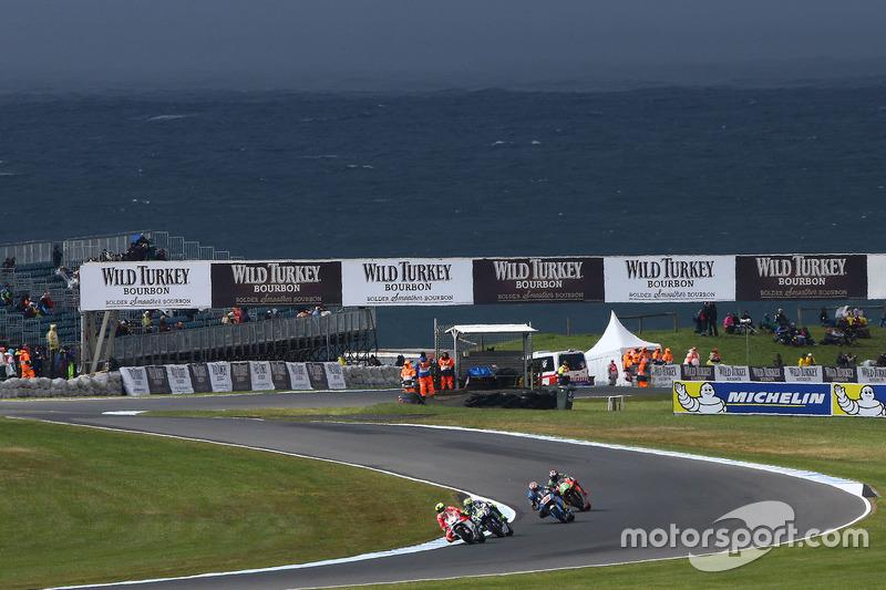 Hector Barbera, Ducati Team; Valentino Rossi, Yamaha Factory Racing