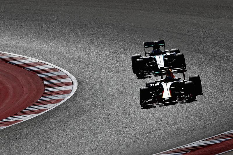 Daniel Ricciardo, Red Bull Racing RB12, Lewis Hamilton, Mercedes AMG F1 W07 Hybrid