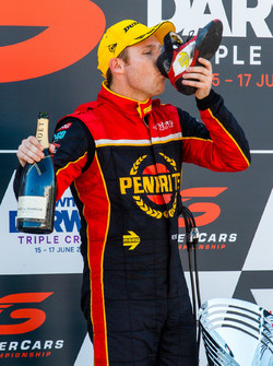 Podium: Race winner David Reynolds, Erebus Motorsport Holden