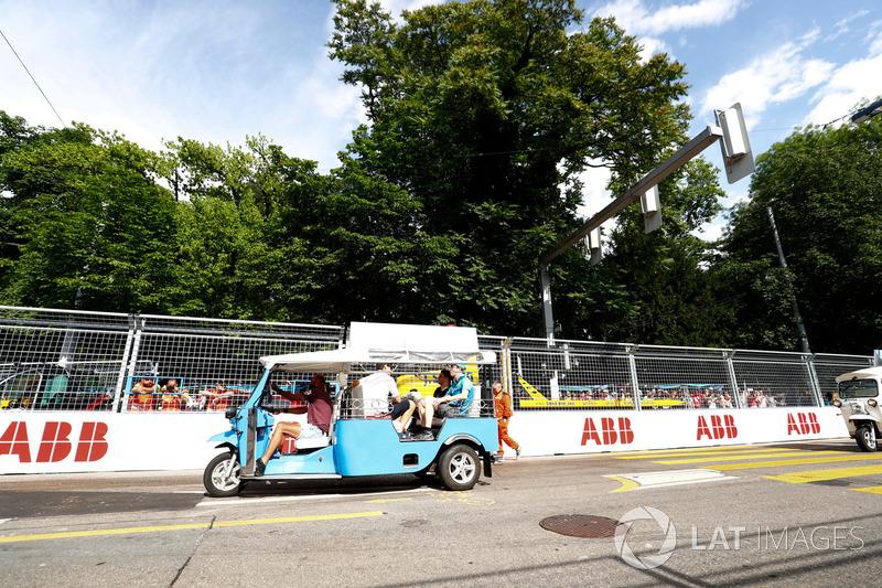 Oliver Turvey, NIO Formula E Team, Edoardo Mortara, Venturi Formula E Team, on the drivers parade
