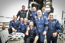Foto di gruppo del team Peugeot Sport Italia