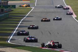 Сергей Сироткин, Williams FW41, Стоффель Вандорн, McLaren MCL33, Шарль Леклер, Alfa Romeo Sauber C37, Брендон Хартли и Пьер Гасли, Scuderia Toro Rosso STR13, Маркус Эрикссон, Alfa Romeo Sauber C37