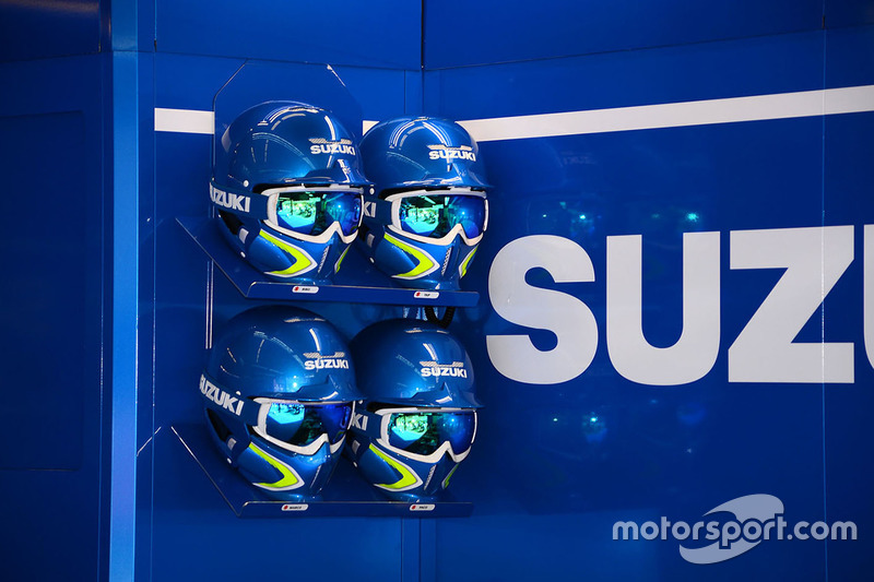 Team Suzuki MotoGP casco