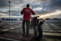 Preparativos del Monster Energy Honda Team