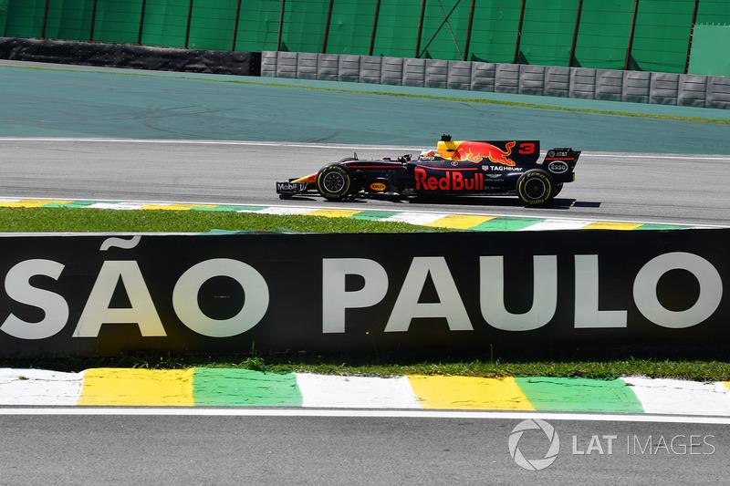 Daniel Ricciardo ficou em terceiro