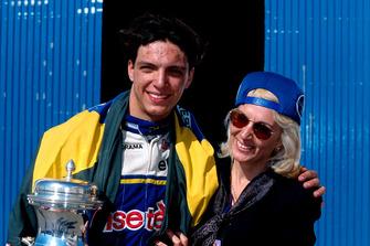 Tarso Marques, DAMS con su madre