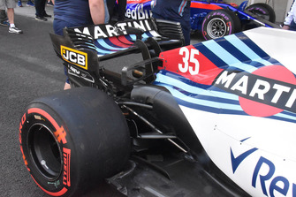 Williams FW41, T-wing bassa e ala posteriore