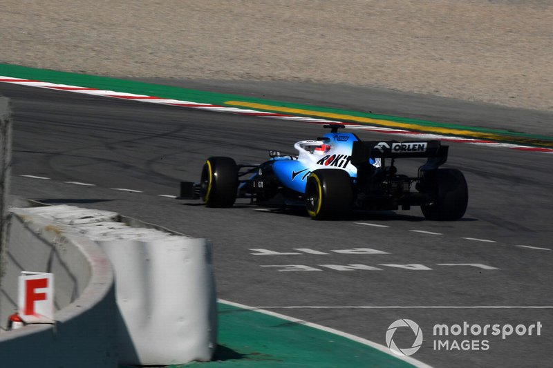 Robert Kubica, Williams FW42 spins