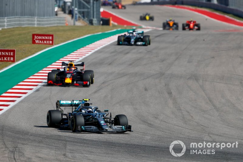 Valtteri Bottas, Mercedes AMG W10, Max Verstappen, Red Bull Racing RB15 Lewis Hamilton, Mercedes AMG F1 W10