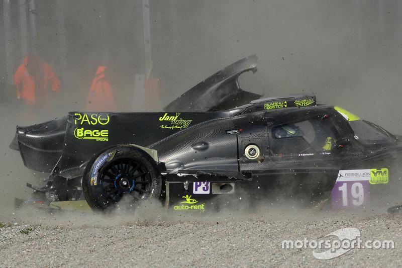 Unfall: #19 M.Racing - YMR, Norma M 30 - Nissan: Gwenael Delomier