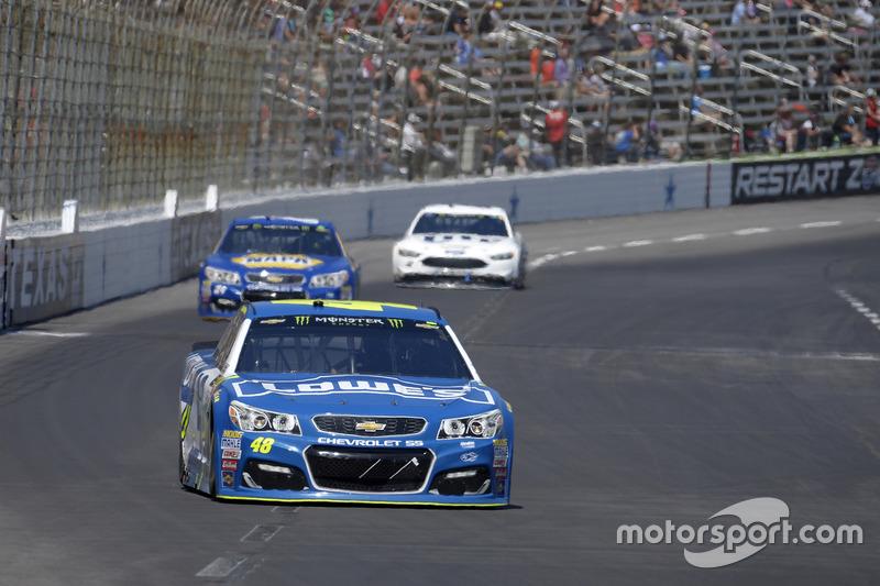 Jimmie Johnson, Hendrick Motorsports, Chevrolet; Chase Elliott, Hendrick Motorsports, Chevrolet; Brad Keselowski, Team Penske, Ford