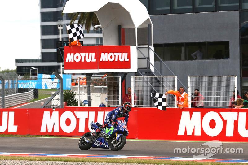 Maverick Viñales, Yamaha Factory Racing takes the checkered flag