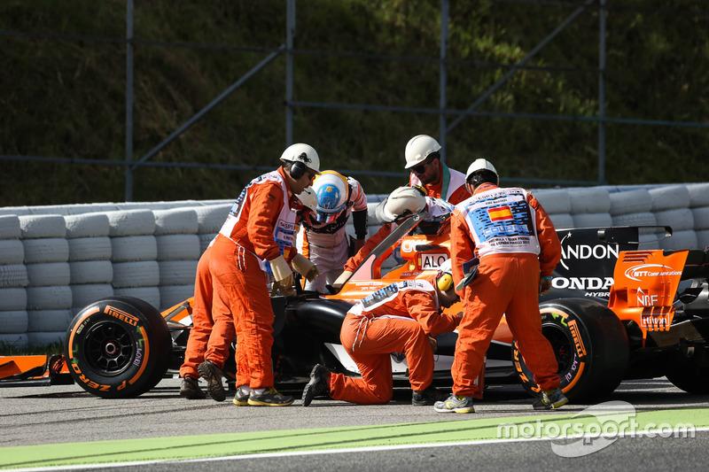 O ano de 2017 vem sendo marcado por falta de potência, abandonos (já são oito para Alonso e quatro para Vandoorne) e muitas punições no grid para ambos os pilotos.