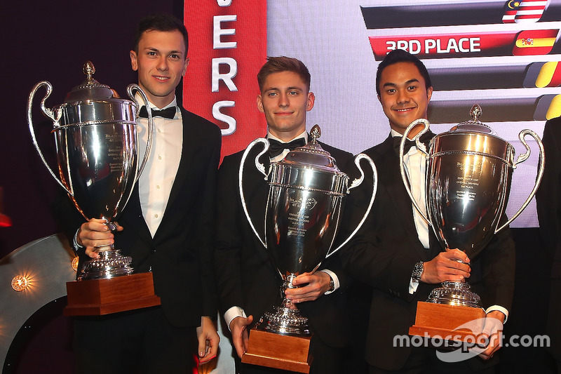 2016 endurance copa todos los equipos, Dominik Baumann, Maximilian Buhk, Jazeman Jafaar, segundo lugar
