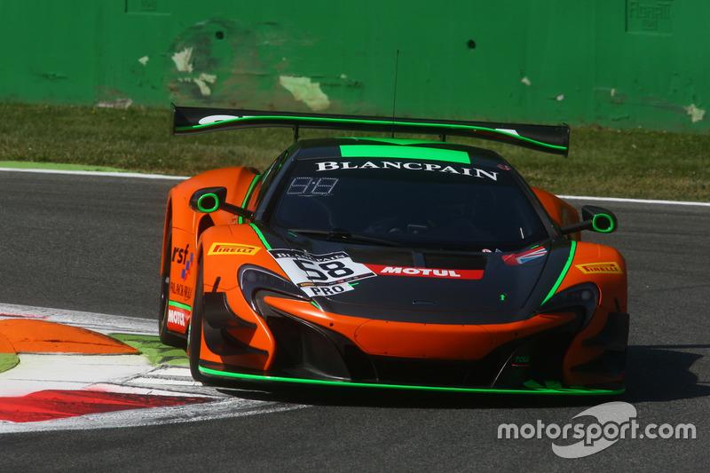 #58 Strakka Racing, McLaren 650 S GT3: Côme Ledogar, Rob Bell, Ben Barnicoat