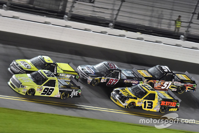 Grant Enfinger, ThorSport Racing, Toyota; Cody Coughlin, ThorSport Racing, Toyota
