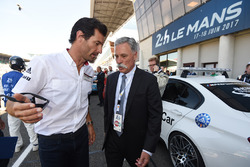 Mark Webber and Chase Carey, FOM CEO